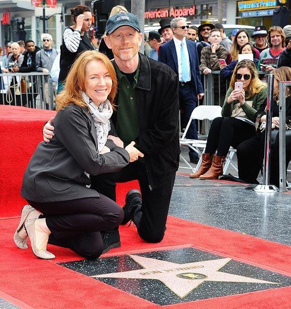 Рон Ховард и его супруга на открытии второй звезды режиссера