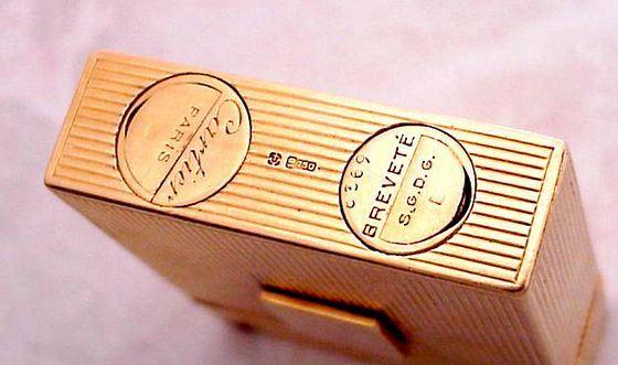 Зажигалки Cartier несколько веков считаются престижными аксессуарами
