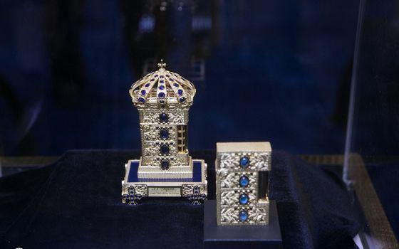 Самый дорогой в мире набор зажигалок Louise XIII Fleur de Parme