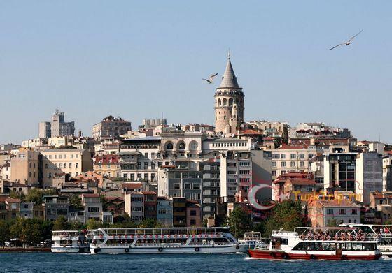 Галатская башня - самая высокая достопримечательность Стамбула
