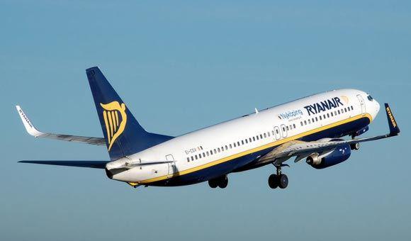 Ryanair �������� ��������� 42 ������ �������� �� �������� �� ���� �������
