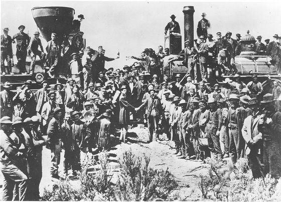 Строительство самой длинной системы железных дорог началось с открытия трансконтинентальной дороги
