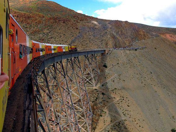 В Аргентине железные дорогие не только длинные, но еще и высокогорные