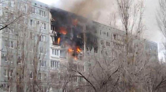 В Волгограде в жилом доме прогремели взрывы