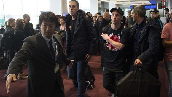 "Argentine fan ""River Plate"" spat in Messi"