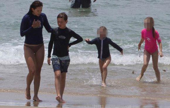 В Австралии спасатель помог десятилетнему наследнику датского трона