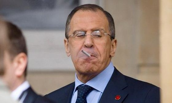 Sergey Lavrov is a chain smoker
