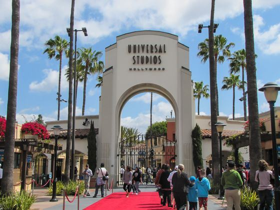 Amusement parks under the brand Universal Studios amazing scale