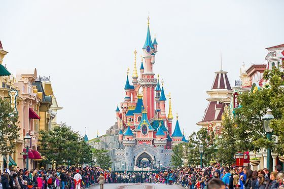 Disneyland - the most popular amusement parks in the world