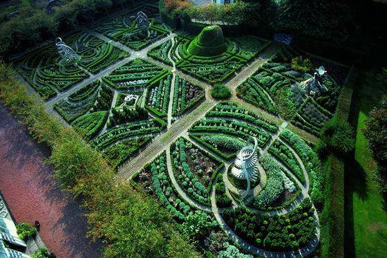 Сад-Вселенная в Шотландии