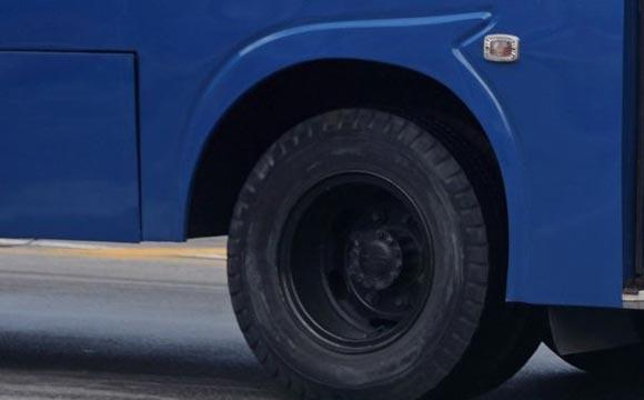 Ветер перевернул автобус, следовавший из Ростова в Махачкалу