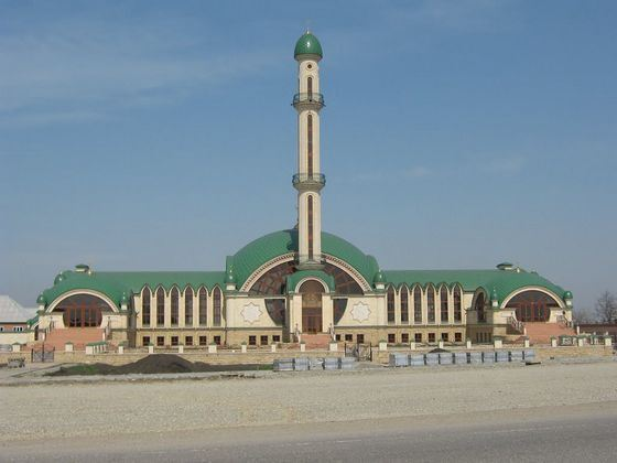 The best architectural traditions were realized during the construction of a mosque in Alkhan-Yurt