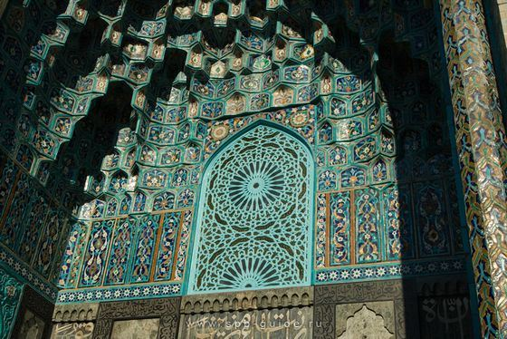 Decoration of the largest mosque of St. Petersburg