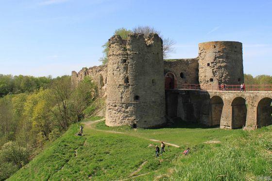 Копорская крепость - самое древнее фортификационное сооружение на северо-западе России