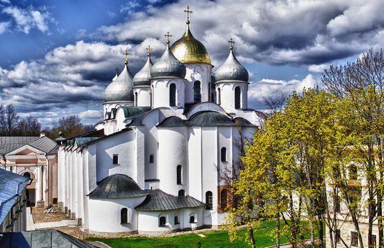 Собор Святой Софии в Новгороде старше одноименного собора в Киеве