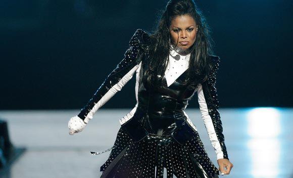 У сестры Майкла Джексона может быть рак горла