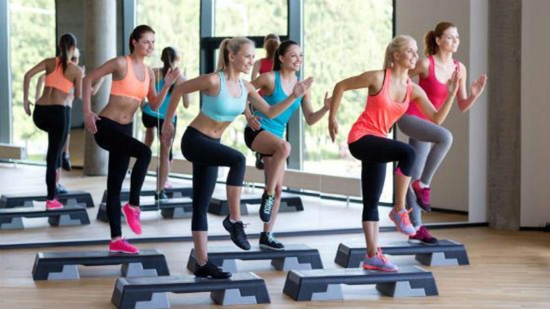 Занятия степ-аэробикой помогут держать себя в хорошей физической форме
