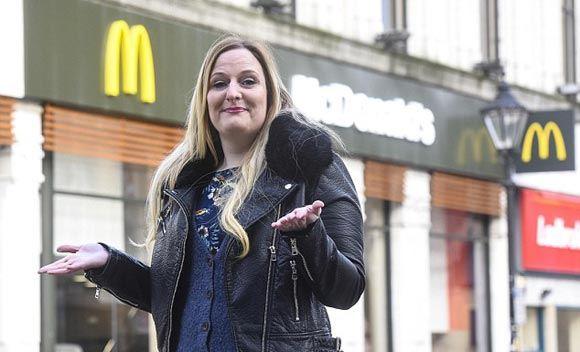 Совестливая британка приняла посетителя «Макдоналдса» за бездомного