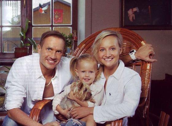 Роман и Оксана с дочкой