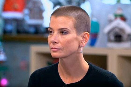 Юлия Высоцкая была вынуждена расстаться с волосами