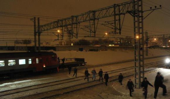 В Новой Москве вооруженные битами подростки напали на пассажиров электрички