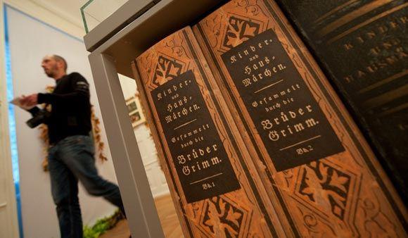 Сюжеты сказок братьев Гримм и Шарля Перро были придуманы еще в бронзовом веке