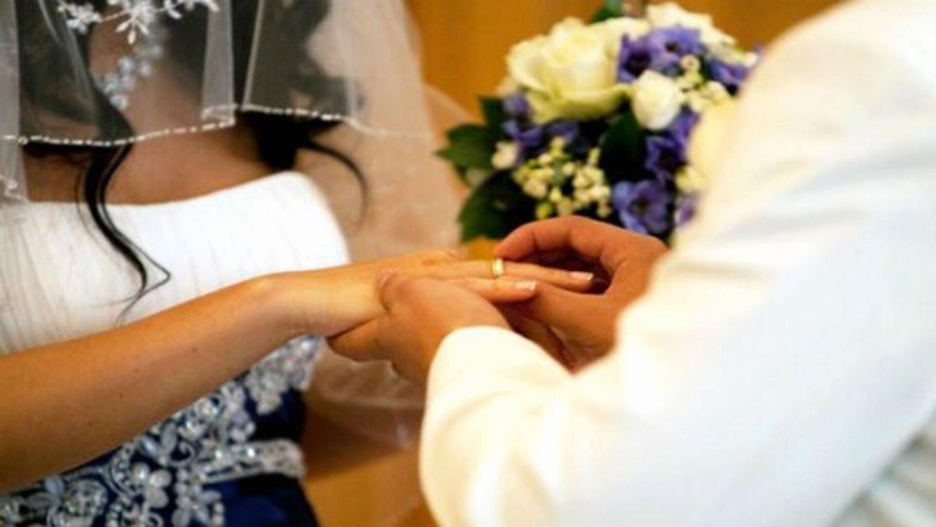 Обмениваться кольцами на свадьбу принято у многих народов