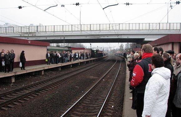 У станции «Крюково» погибли переходившие пути охранники