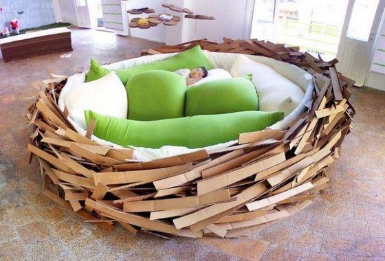 Необычная дизайнерская кровать-гнездо
