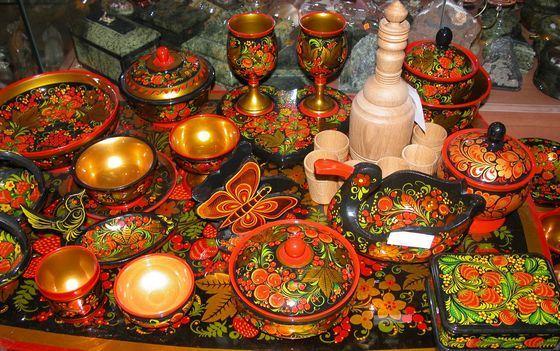 Золотая хохлома, пожалуй, самый известный российский народный промысел