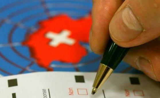 В Швейцарии пройдет референдум о безусловных выплатах гражданам 2,5 тысяч франков