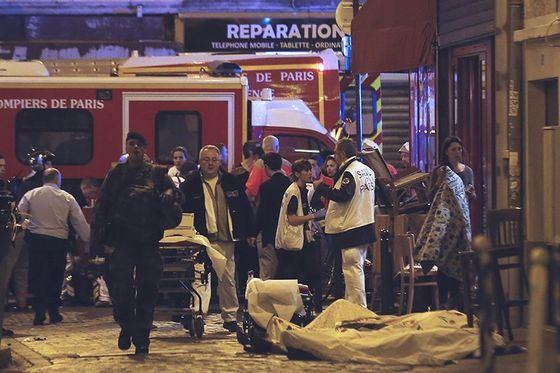 Теракты в Париже вызвали ужас и сплотили население страны