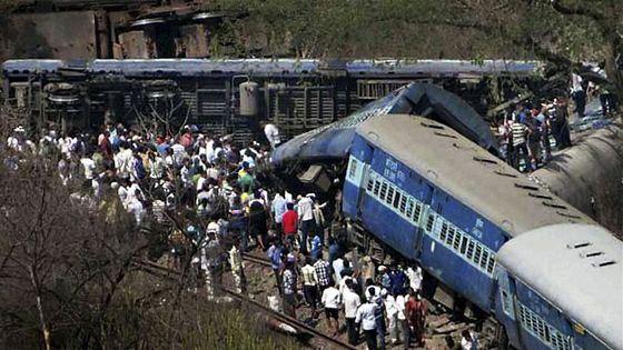 Крушение поездов в Индии всегда несут за собой массу жертв