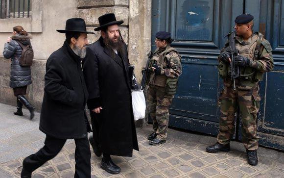Более половины французов винят в антисемитизме самих евреев