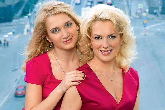 Мария со старшей дочерью Полиной