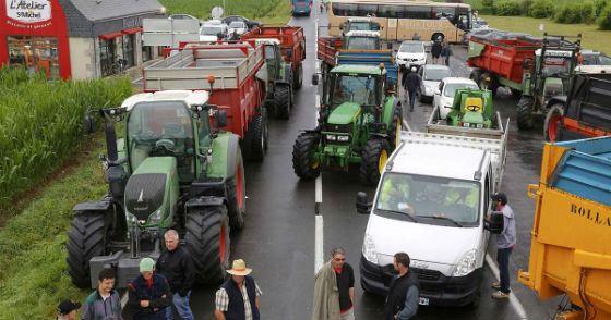 Французские фермеры бастуют против антироссийских санкций