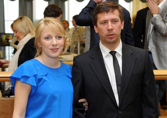Андрей с супругой