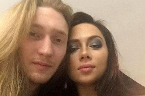 Настасья Самбурская со своим молодым человеком