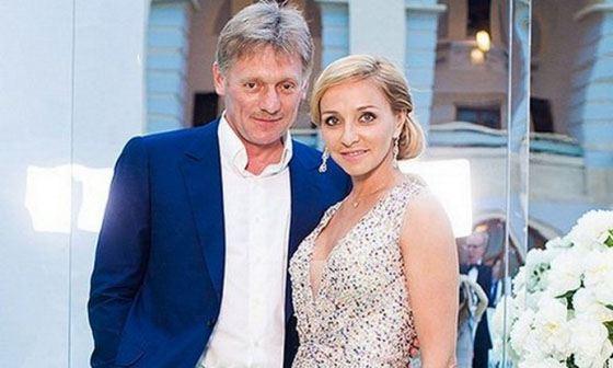 Дмитрий Песков с женой Татьяной Навкой