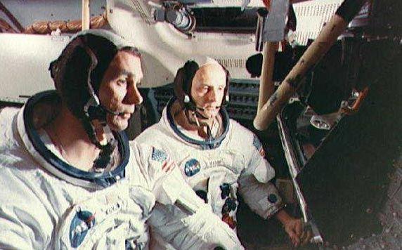 Астронавты НАСА услышали «странную музыку» на обратной стороне Луны