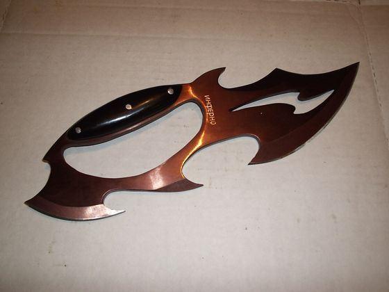 Оригинальный нож-кастет