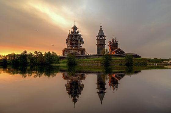 Церковь Преображения Господня в Кижах - шедевр храмовой архитектуры