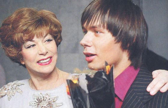 Стас Пьеха с бабушкой