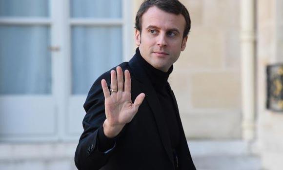 Во Франции арестовали девушку, которая слала министру эротические письма