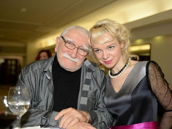 Армен Джигарханян с молодой женой