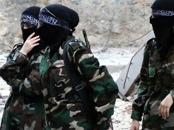 Террористки ИГИЛ формируют женский отряд