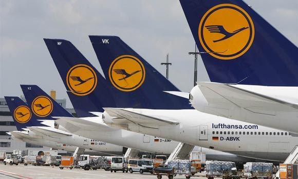 Самолет Lufthansa совершил посадку в Красноярске из-за смерти ребенка
