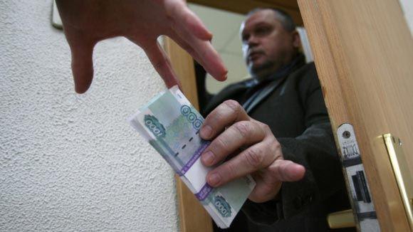 На Урале коллекторы заблокировали ребенка должников в квартире