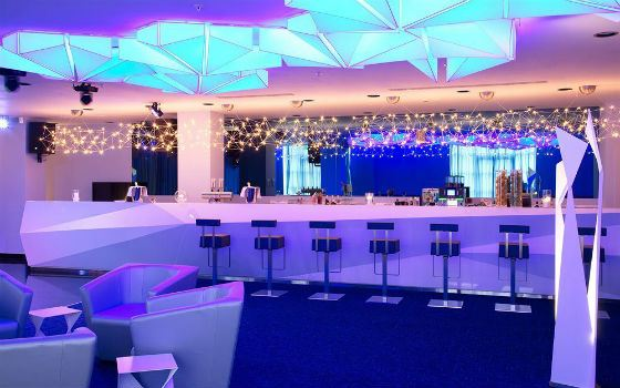 Свадьба прошла в банкетном зале подмосковного Radisson Blu