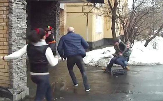 Гоген Солнцев устроил драку прямо на улице